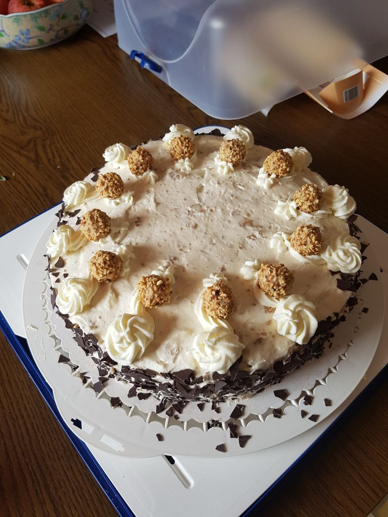 Zur Kuchenkneipe gibt es immer leckere Torten aus Eigenproduktion